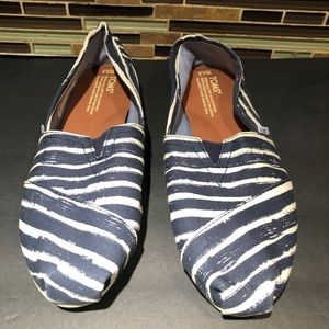 Toms Striped Flat Size 9.5